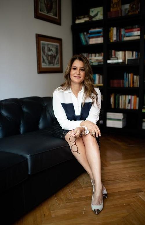 Maria Inês Vasconcelos – Advogada, pesquisadora, professora universitária e escritora