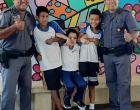 Polícia Militar orienta crianças sobre a brincadeira da rasteira