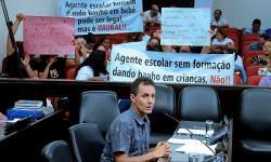 Mães protestam contra atividades de agentes escolares em creches