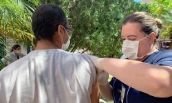 Funcionários da Santa Casa de Araçatuba são vacinados contra a gripe