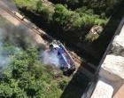 Ônibus cai de viaduto na BR-381, em Minas Gerais; PRF confirma ao menos 10 mortes