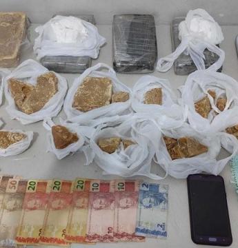 Policiais Militares prendem traficante de drogas em Marília