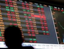 Bolsa cai com preocupações com variante delta e China