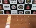Homem é preso pela Força Tática por tráfico de drogas no bairro Rosele