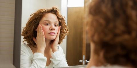 Sua pele é seca ou está desidratada? Veja como descobrir