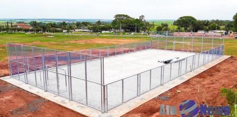 Próxima de ser entregue, quadra society será opção de esporte e lazer em Salmourão
