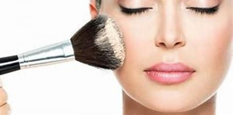 8 doenças que você pode pegar por compartilhar maquiagem