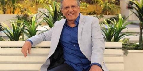 Carlos Alberto de Nóbrega é internado com infecção após ingerir iogurte estragado