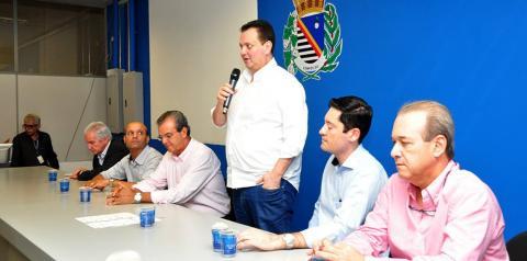 Araçatuba recebe o ministro Kassab e adere ao programa Internet para Todos