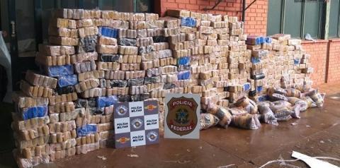 Policiais Rodoviários prendem motorista em caminhão carregado com aproximadamente 1,5 tonelada de maconha em Jales