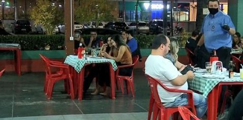 Restaurantes, bares, salões de beleza e barbearias voltam a fechar em Araçatuba