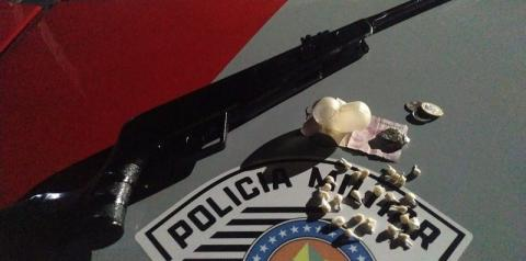 Polícia Militar prende duas mulheres por tráfico de drogas em Dracena
