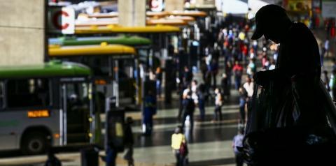 IBGE estima que desempregados no Brasil sejam 14,4 milhões