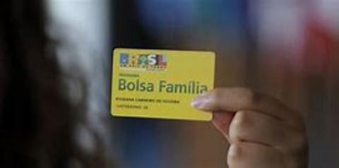 Bolsa Família começa a pagar nesta quinta benefício com reajuste