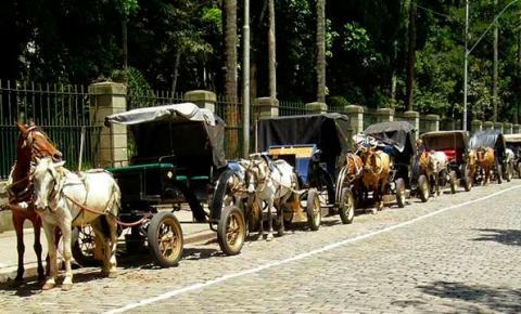 PETRÓPOLIS, CIDADE SERRANA DO RIO DE JANEIRO - livre da tração animal ou charretes
