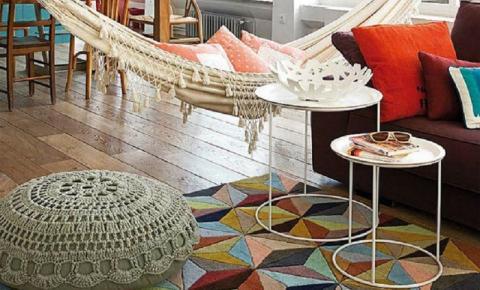 Crochê está em alta e deixa decoração mais aconchegante