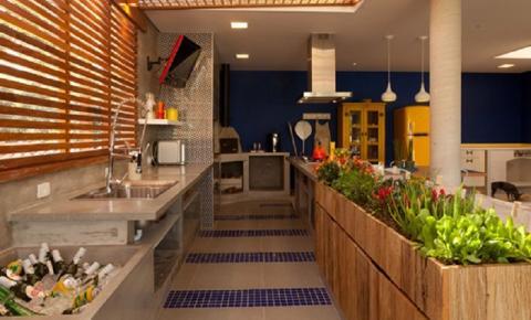 Como fazer uma horta de temperos na cozinha? Veja dicas