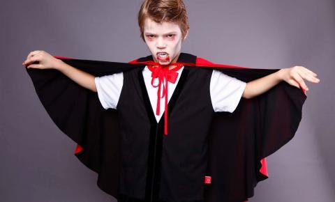 Aprenda a fazer maquiagem de vampiro para o Halloween