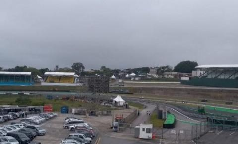 Chuva deve marcar o fim de semana do GP do Brasil