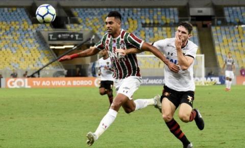 Fluminense empata com o Sport e mantém distância para o rival
