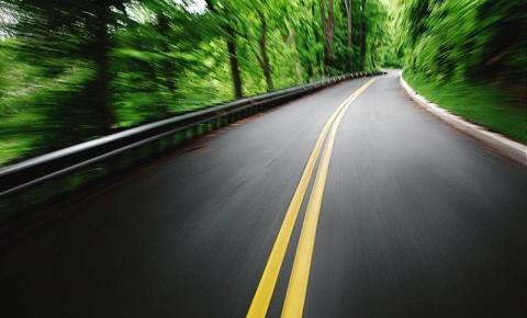 Viagem de verão exige atitude responsável para evitar acidente na estrada