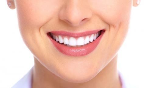Hábitos modernos podem contribuir para o envelhecimento precoce dos dentes