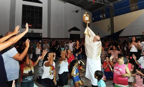Paróquia Sant'Ana realiza a 16ª edição do Carnaval da Família Cristã; evento começa nesta sexta-feira e vai até dia 12