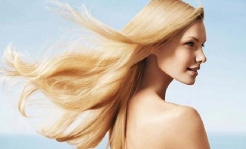 Cuidados com o cabelo no verão: 5 dicas para manter os fios bonitos e hidratados