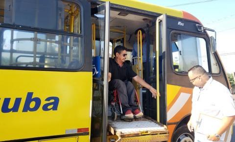 Após denúncia contra a TUA, cadeirante consegue que rampa de deficientes seja usada.