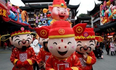 China dá início a celebrações de novo ano; porco vai reger o período