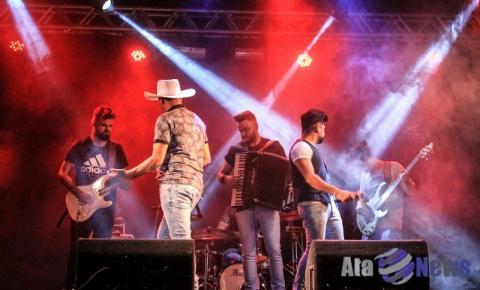 Show com as Pratas da Casa foi a atração musical do último sábado em Salmourão