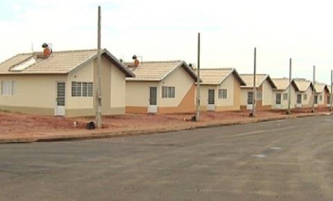 Moradores de Jales recebem chaves de unidades habitacionais da CDHU