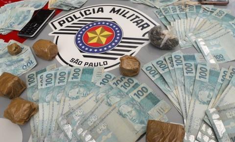 Homem é preso pela Polícia Militar com drogas em Adamantina