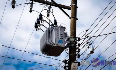 Energisa efetua troca de transformador da rede para adequação de instalações elétricas na ampliação do Centro de Saúde