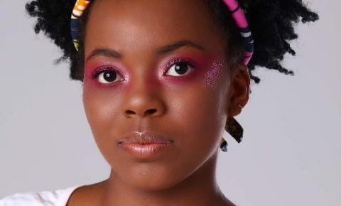 Aprenda a fazer uma maquiagem simples para o carnaval
