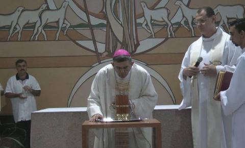 Missa de Santos Óleos reúne bispo e todo clero nesta quarta