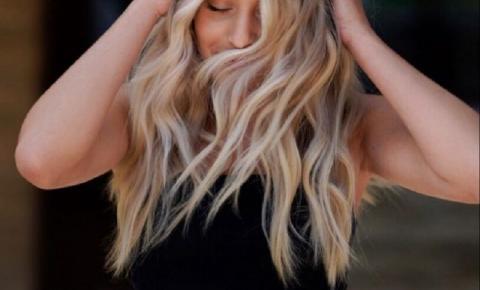 Queda de cabelo feminino em excesso: Conheça as causas e possíveis tratamentos para o problema