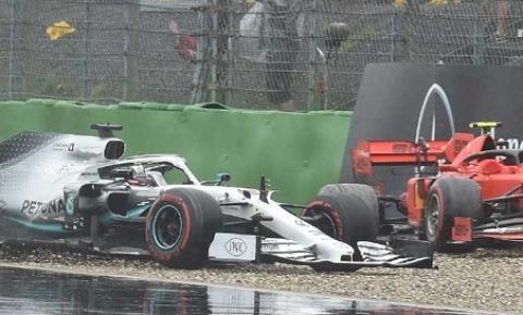 """Verstappen vence a """"corridaça"""" da F-1 na Alemanha; Hamilton e Leclerc batem"""