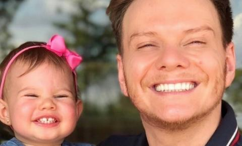 Fofura total! Melinda, filha de Michel Teló, faz 3 anos e está a cara do pai