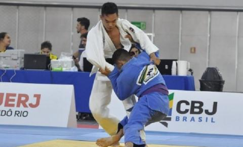 ACOMPANHE - Primeiro dia do Campeonato Brasileiro Sub-18 de judô tem cinco categorias em ação na Arena da Juventude
