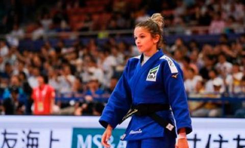 Larissa Pimenta cai para Uta Abe, mas vê evolução após primeiro Mundial Sênior