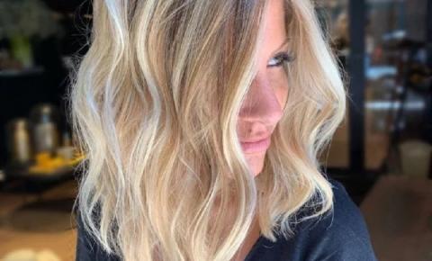 Como matizar o cabelo? 4 dicas para quem tem mechas platinadas