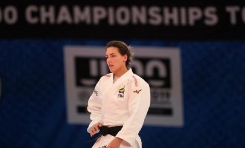Aléxia Castilhos reconhece experiência adquirida em primeiro Mundial adulto
