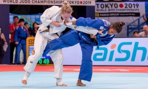 Ketleyn Quadros consegue ippon mais rápido do dia, mas para na semifinalista Juul Franssen na segunda rodada em Tóquio
