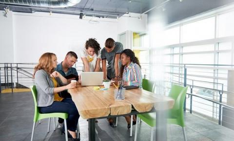 Empreendedorismo júnior impulsiona criação de novos negócios durante a faculdade
