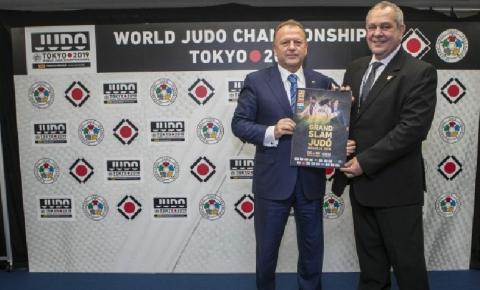 Em Tóquio, presidente da CBJ é recebido por presidentes da Federação Internacional de Judô e do Instituto Kodokan