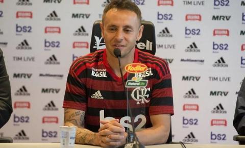 Rafinha pede que Flamengo tenha pés no chão