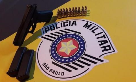 Adolescente infrator é flagrado com pistola e munições durante abordagem da Polícia Militar