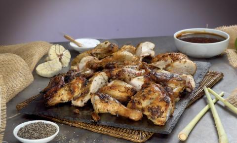 Receita exótica: frango tailandês no espeto
