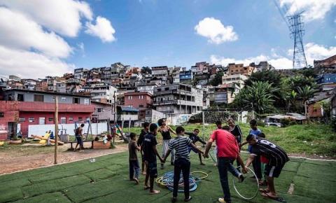Circo do Asfalto leva ações do projeto De Olho no Duto para o Litoral Paulista